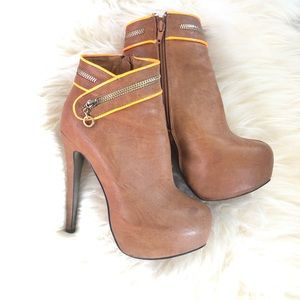Shoes - Macho platform brown booties neon orange popping
